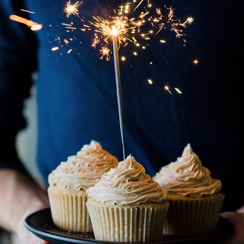 chai cupcakes with brown butter chai frosting