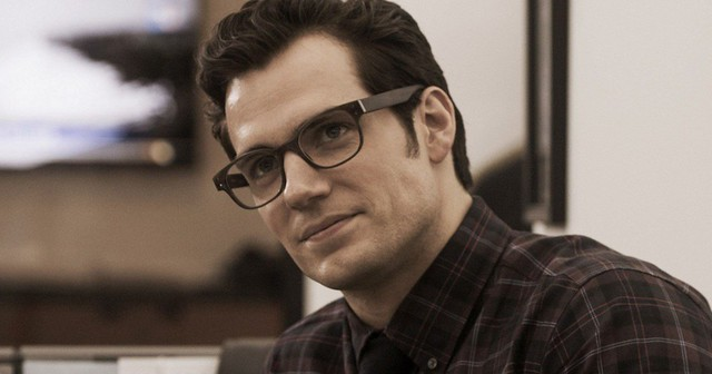 henry-cavill-clark-kent-glasses-batman-vs-superman