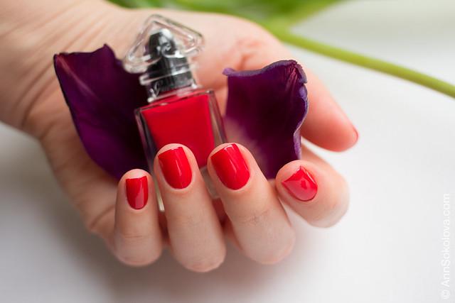 05 Guerlain La Petite Robe Noire Nail Colour #003 Red Heels swatches Ann Sokolova