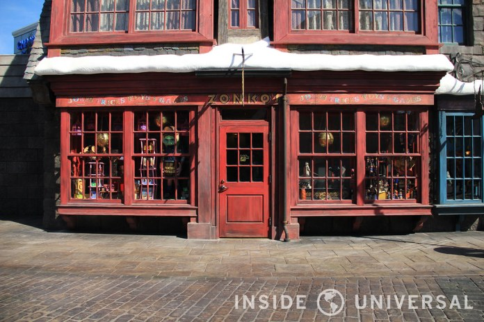 The Wizarding World of Harry Potter at Universal Studios Hollywood - Zonkos
