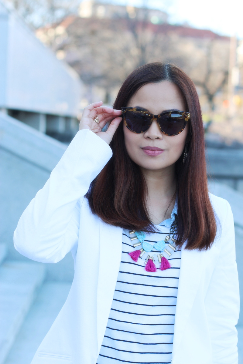 Banana-Republic-white-blazer-oversized-sunglasses-2