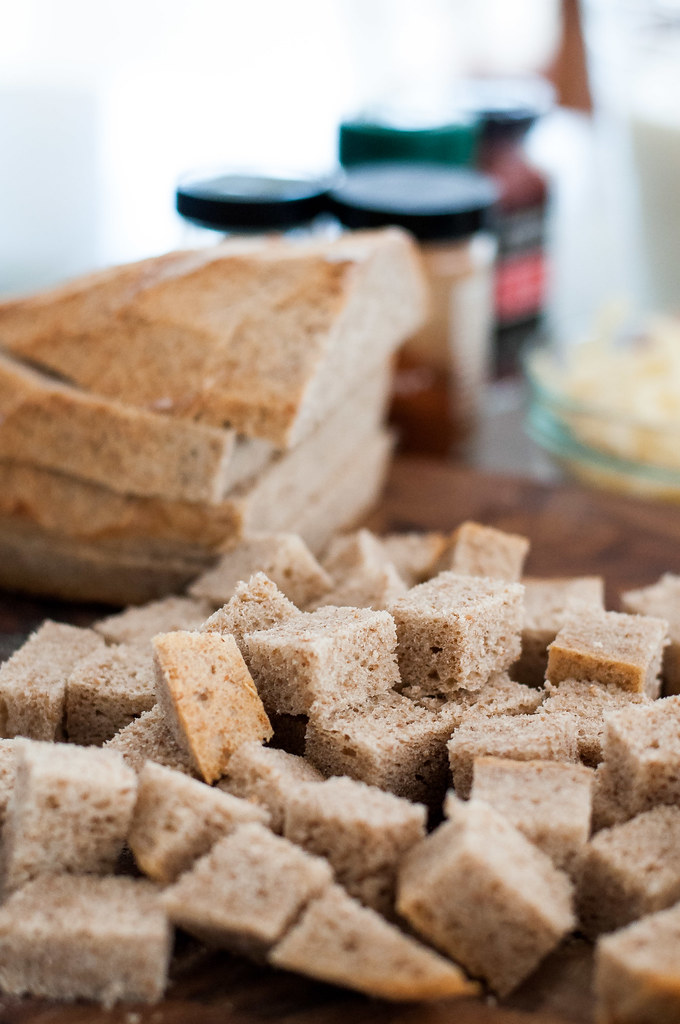 Rye bread cubes for Southwest breakfast strata