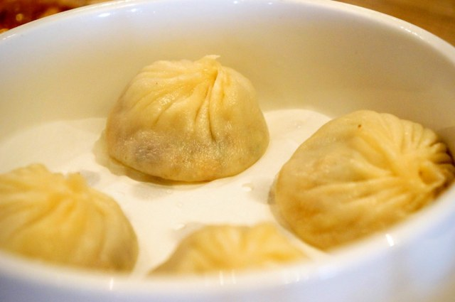 上海小籠湯包,看起來跟真的上海小籠湯包很像啊啊