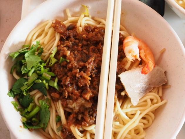 周氏蝦捲の汁なし担仔麺