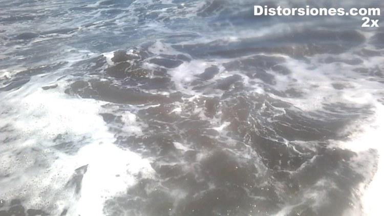 Primer baño del 2016 en el Océano Atlántico en la Playa de la Garita