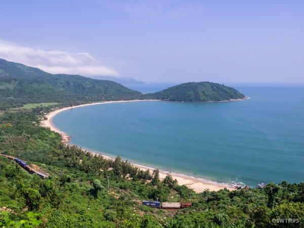 Bay around Hai Van Pass - Da Nang, Vietnam.jpg