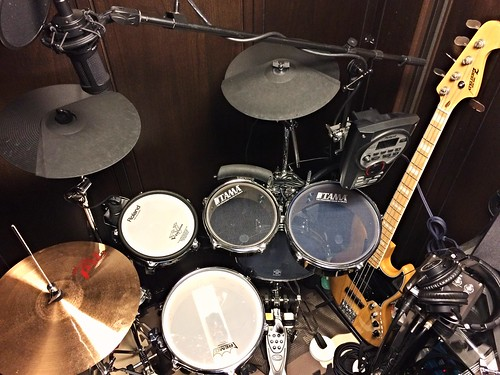 けんのすけの防音室と楽器