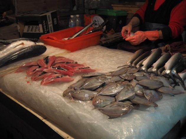 東菜市の魚屋マナカツオ