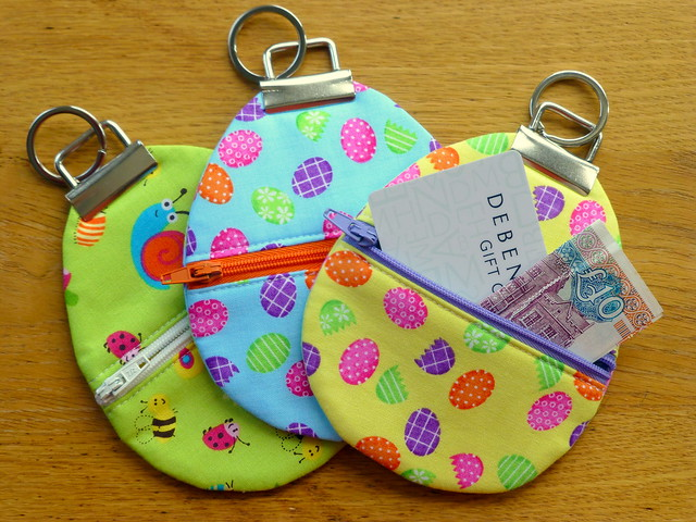 Easter Egg Zippy pouches tutorial