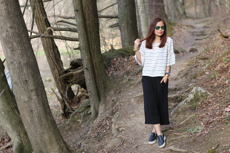 who-what-wear-stripe-top-hm-culottes-sneakers-2