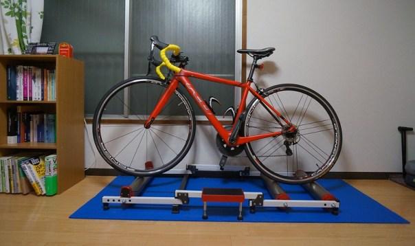 Indoor bike rollers