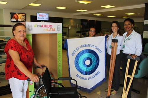 Unimed Maringá realiza entrega de equipamentos de mobilidade