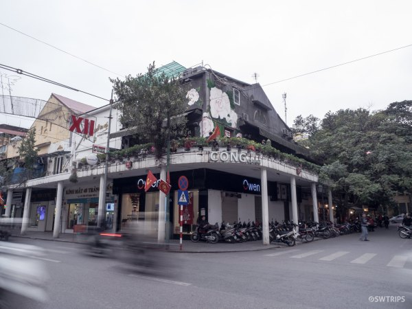 Cafe - Hanoi, Vietnam.jpg