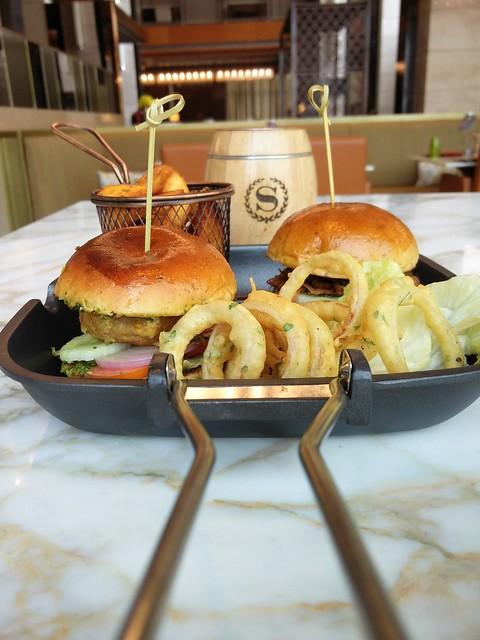 Burgers (2)