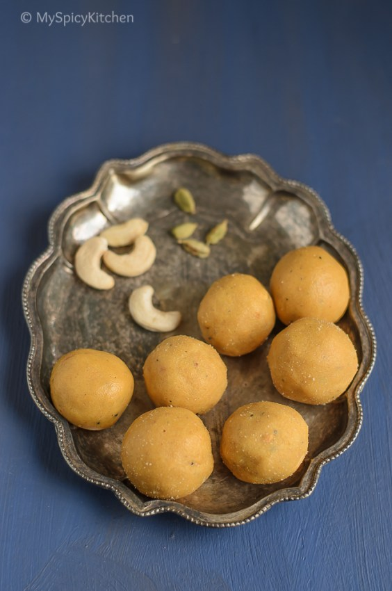 Senagapindi Laddu, Laddu, Ladoo, Besan Laddu, Gram Flour Laddu, Indian Food, Indian Sweet, North Indian Recipe, North Indian Sweets, Telangana Food, Telangana Cuisine, Telugu Food, Telangana Sweets,