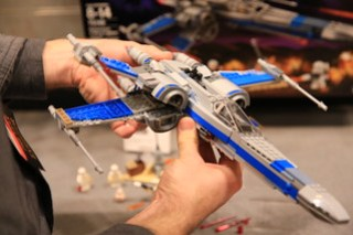 LEGO Star Wars 75149 Resistance X-wing Fighter 4 7