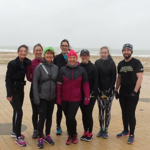 De dapperen der bloggers #runbloggerrun #loveoostende A little bit of wind, we don't care :)