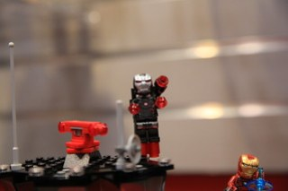 LEGO Marvel 76051 Super Hero Airport Battle 3