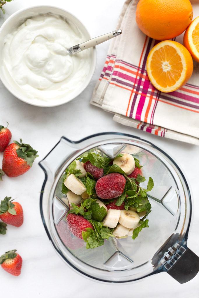 strawberry banana yogurt smoothie ingredients in banana