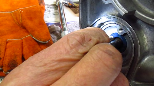 Checking That Cam Seal Centered With M8 Bolt