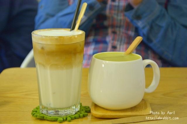 25019171366 1b32629dfd o - [台中]Tano Cafe--老屋系列 part10之巷弄咖啡廳,有店貓唷!@北區 一中街