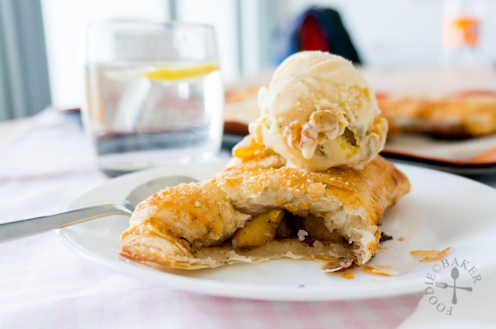 how to make apple pies with puff pastry