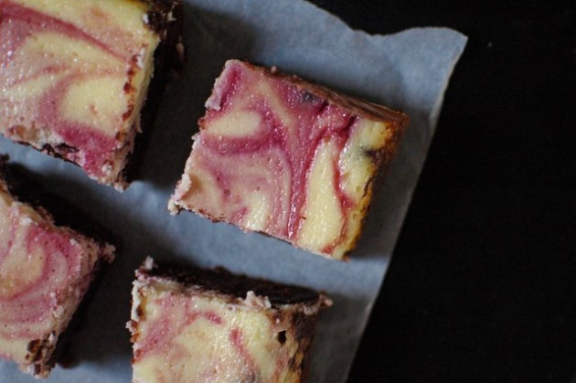 Blackberrry Cheesecake Brownies