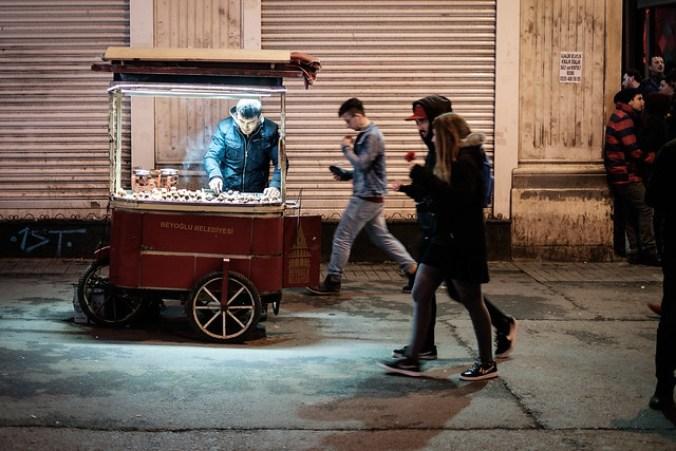 Istanbul: roasted chestnuts in Beyoglu