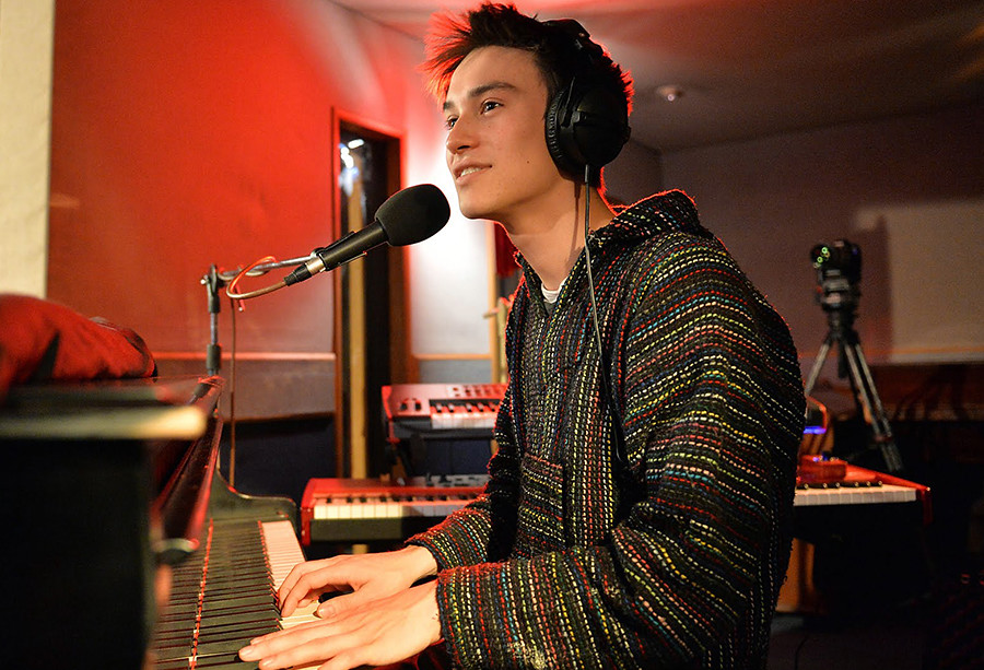 Jacob-Collier-02