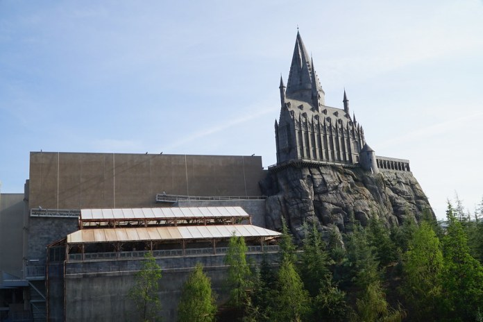 Photo Update: March 20, 2016 - Universal Studios Hollywood - The Wizarding World of Harry Potter