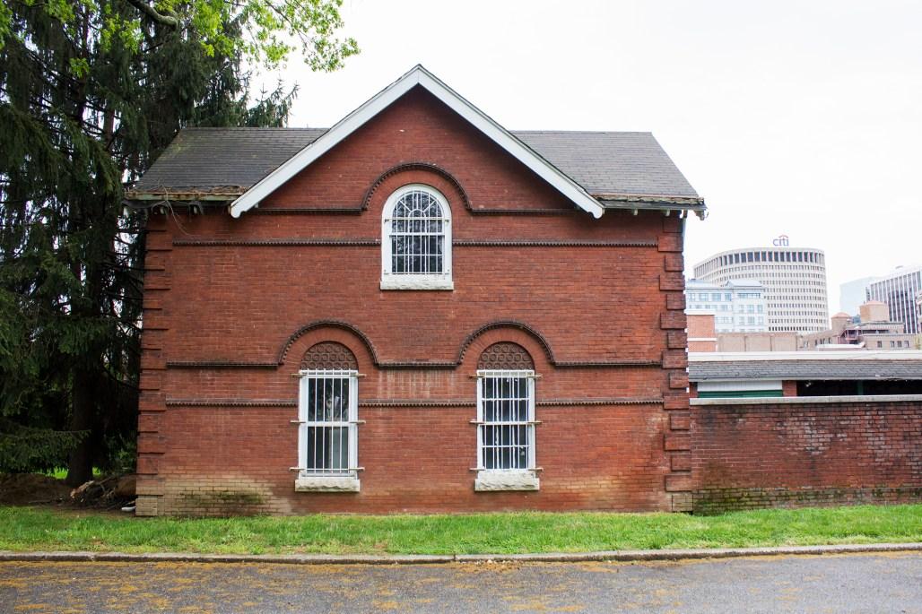 wilmington-brandywine-historical-cemetary-brick-entrance