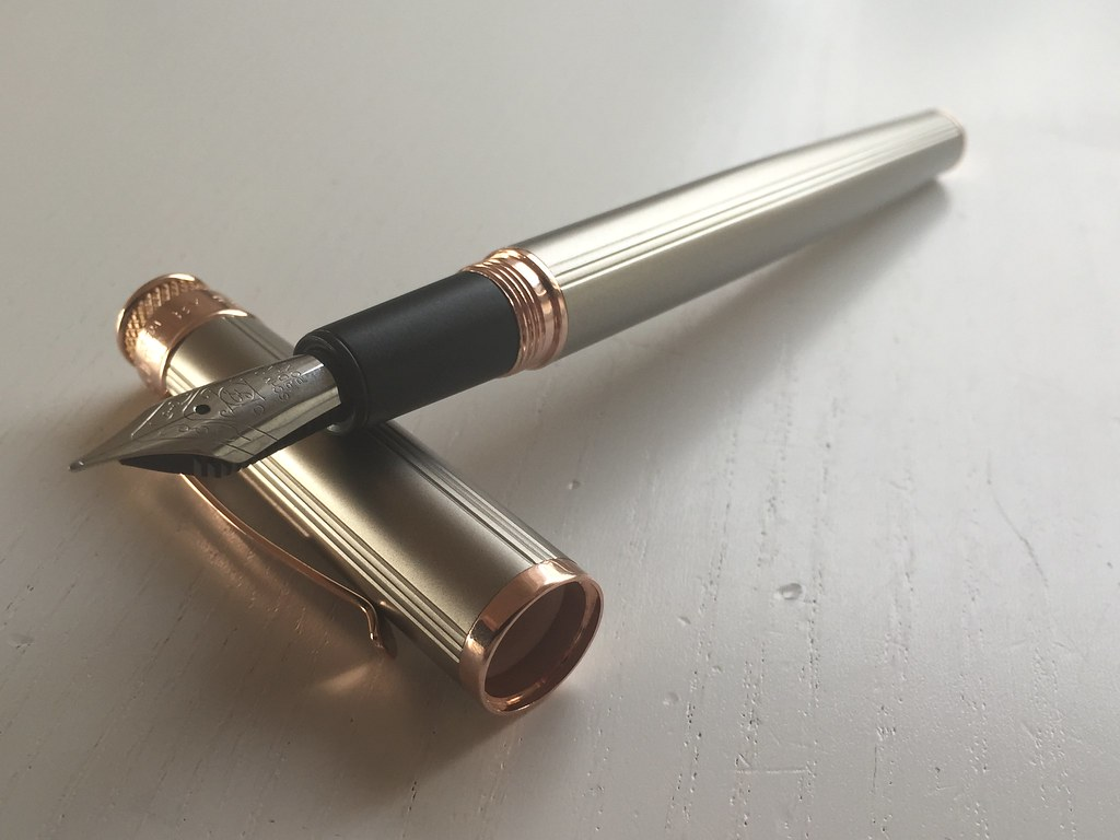 Retro 1951 Tornado White Nickel EXT fountain pen