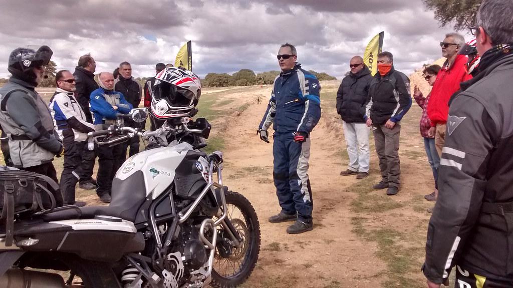 Asistentes del curso de conducción de la Escuela Maxi Trail Montealegre, Toledo