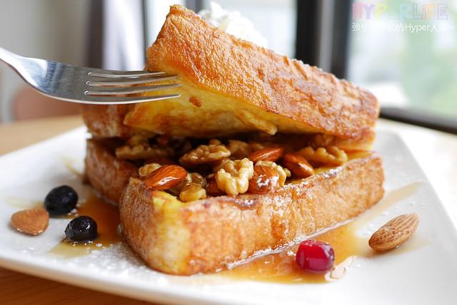 25561911064 f36602a86c z - 北屯區早午餐│包旺家bowwow焦糖小姐愛核糖,還有美式煎餅