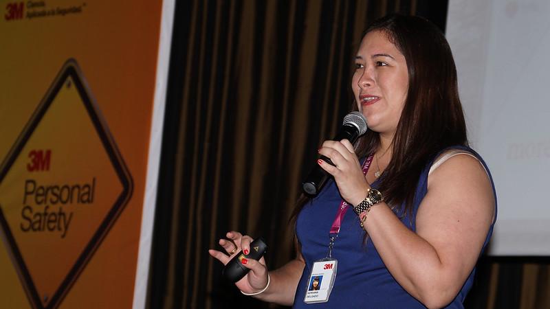 Conferencista Adriana Delgado