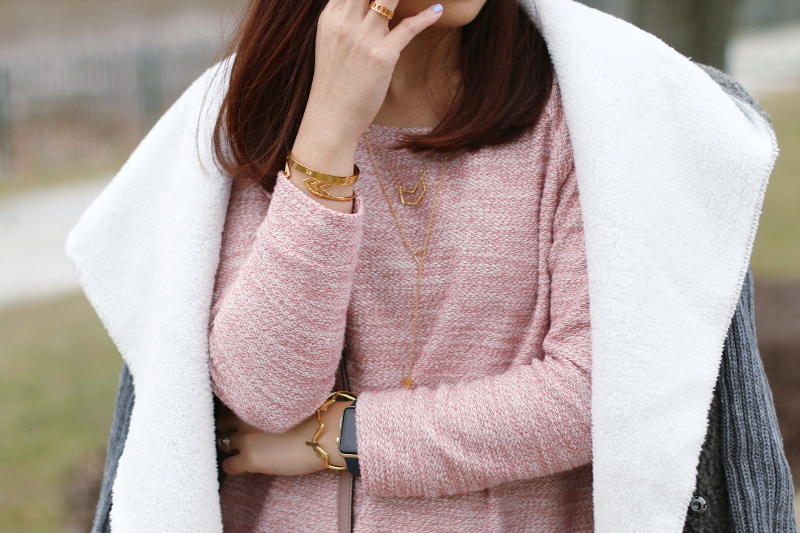 old navy pink sweater, gorjana necklaces, the peach box bracelet