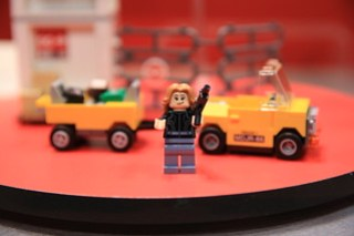 LEGO Marvel 76051 Super Hero Airport Battle 5
