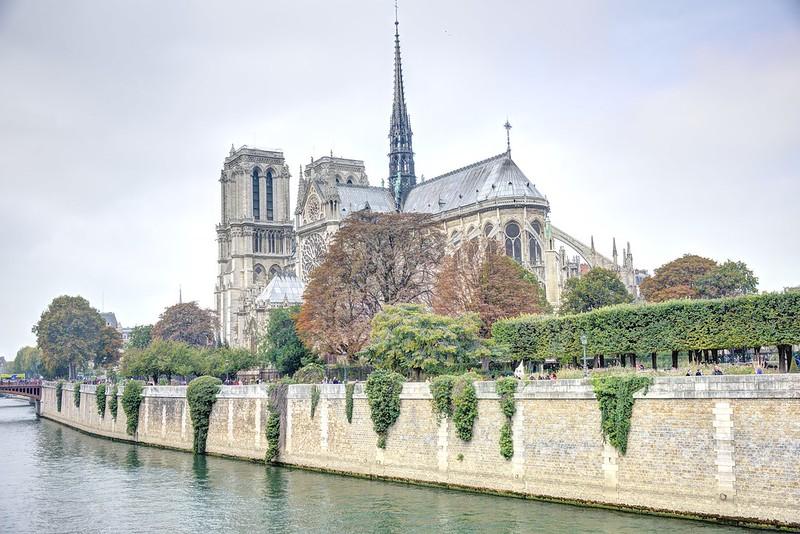 巴黎景點 X 莎士比亞書店 X 旅讀巴黎左岸周邊景點     焦糖熱一點 Bite A Map