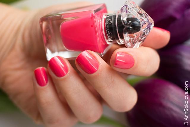 03 Guerlain La Petite Robe Noire Nail Colour #063 Pink Button swatches Ann Sokolova