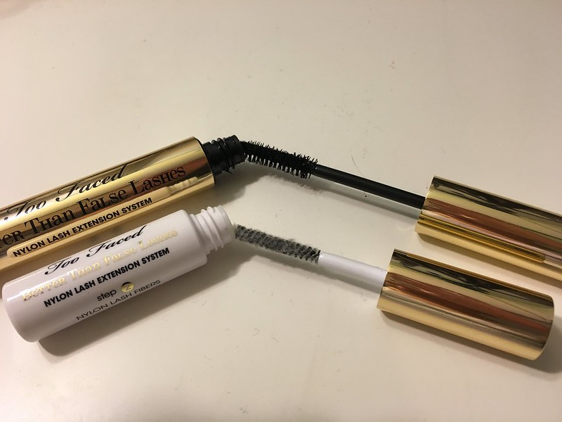 Close-up of the mascara wands