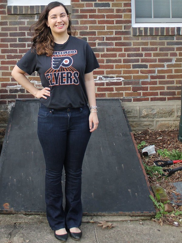 Flyers tee with flares