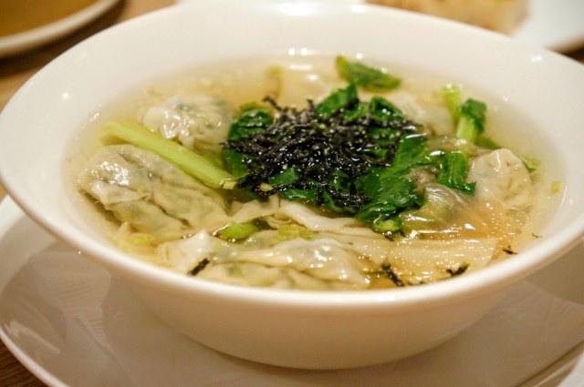 棠菜餛飩湯,若沒注意看,還真的以為是一般的餛飩湯