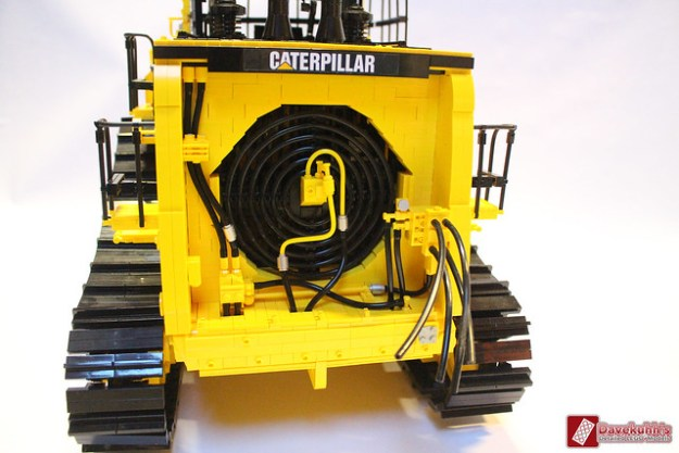 Caterpillar D11t scale 1:11