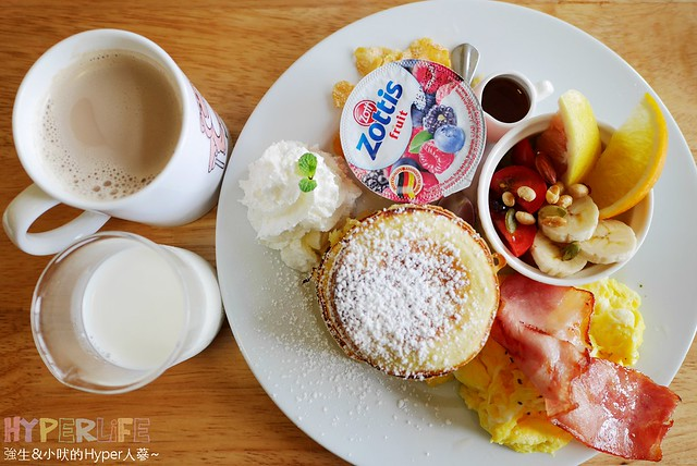 25561911134 dd422e69cf z - 北屯區早午餐│包旺家bowwow焦糖小姐愛核糖,還有美式煎餅