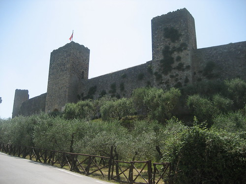 Monteriggioni: the external walls