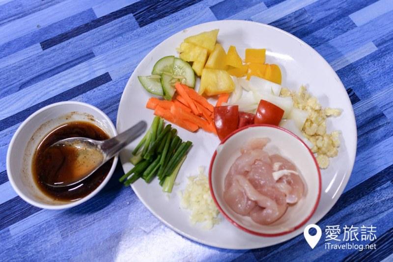 《清迈泰菜学习》Mama Noi厨艺课程:有机花园农场料理体验