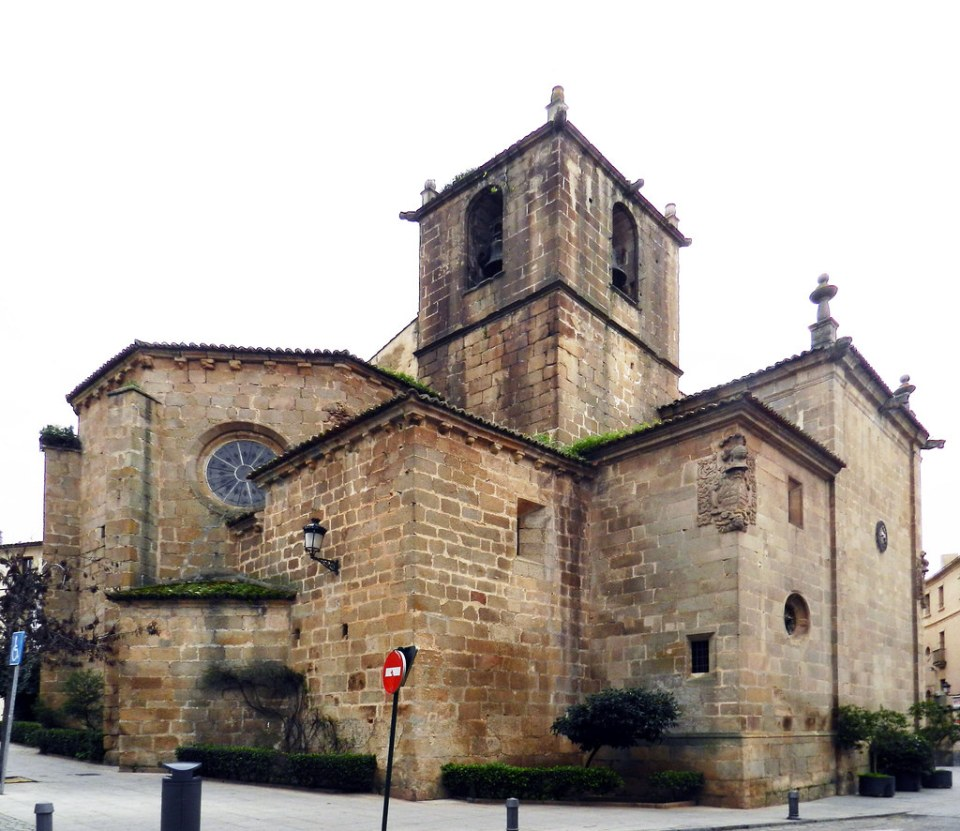 Iglesia de San Juan Bautista Caceres 01