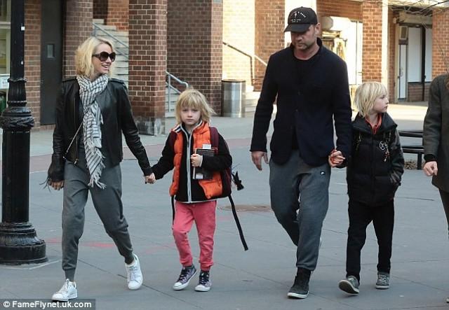 Naomi Watts sons