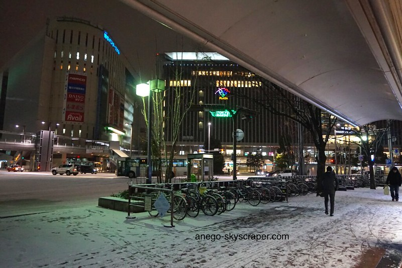 夜の博多駅前
