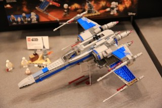 LEGO Star Wars 75149 Resistance X-wing Fighter 2